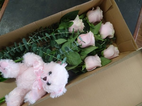 pink roses, pink rose, yellow roses, white roses, valentines day. rose delivery tamworth, roses