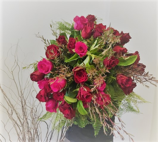 Rose bouquet, roses, rose delivery tamworth, tamworth flowers, tamworth florist, designer bunches, roses, valentines day