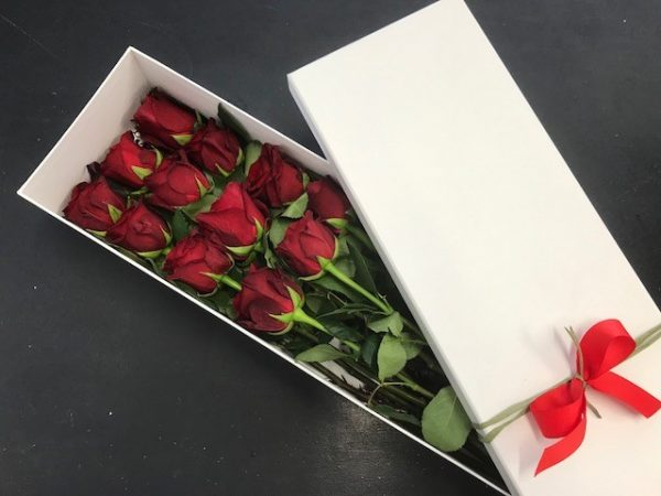 red roses, valentines day. rose delivery tamworth, red roses, flower delivery tamworth