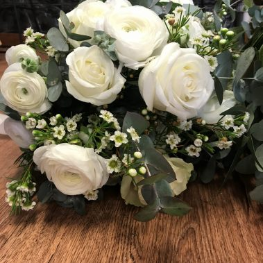wedding bouquet, tamworth wedding, bridal bouquet, white bouquet tamworth, tamworth weddings, tamworth florist, florist tamworth, tamworth wedding florist, rose bouquet
