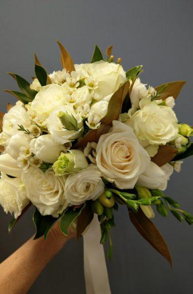 wedding bouquet, tamworth wedding, bridal bouquet, white bouquet tamworth, tamworth weddings, tamworth florist, florist tamworth, tamworth wedding florist, rose bouquet