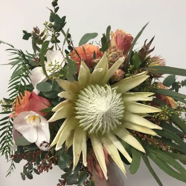 king protea bouquet, native wedding flowers, wedding bouquet, tamworth wedding, bright bouquet, bridal bouquet tamworth, tamworth weddings, tamworth florist, florist tamworth, tamworth wedding florist