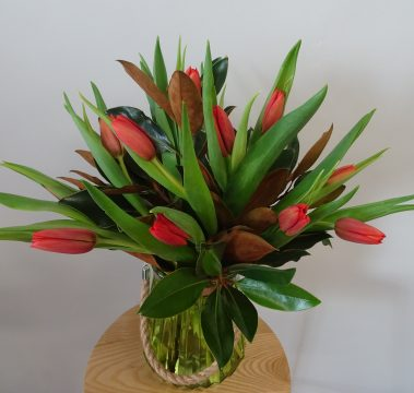 tulip vase, mothers day, flower delivery, tamworth flower shop, tamworth flowers, mothers day