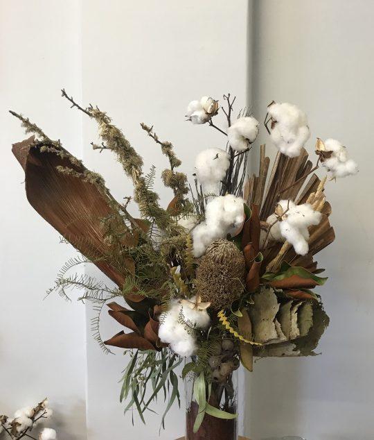 dried arrangement, dried flowers, everlasting flowers, cotton, native, vase arrangement, textured