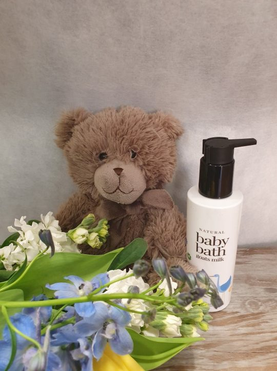 baby gift, Baby flowers, flower delivery Tamworth, Tamworth flowers, Tamworth florist, Tamworth flowers and gifts, Manilla flowers, Quirindi flowers,