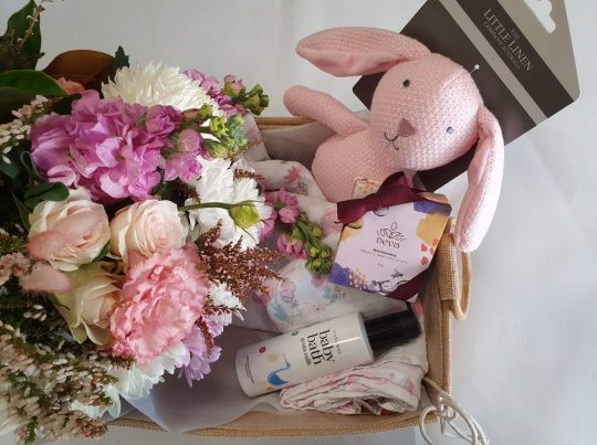 its a girl, baby bundle, new baby, baby gift, baby, baby flowers, baby gift, flower delivery, tamworth florist, tamworth flowers, tamworth hospital,