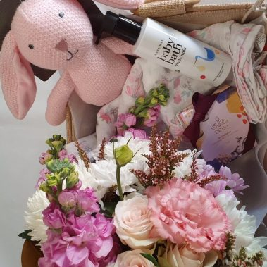 blooms and bibs gift, blooms and bibs, its a girl, baby bundle, new baby, baby gift, baby, baby flowers, baby gift, flower delivery, tamworth florist, tamworth flowers, tamworth hospital,