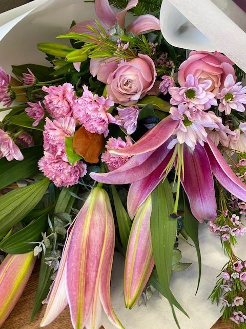flower delivery, valentines delivery, tamworth flowers, tamworth florist, flower delivery tamworth,
