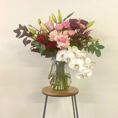 deluxe, vase, Mothers Day, mothers day flowers, tamworth florist, tamworth flower delivery, mothers day delivery