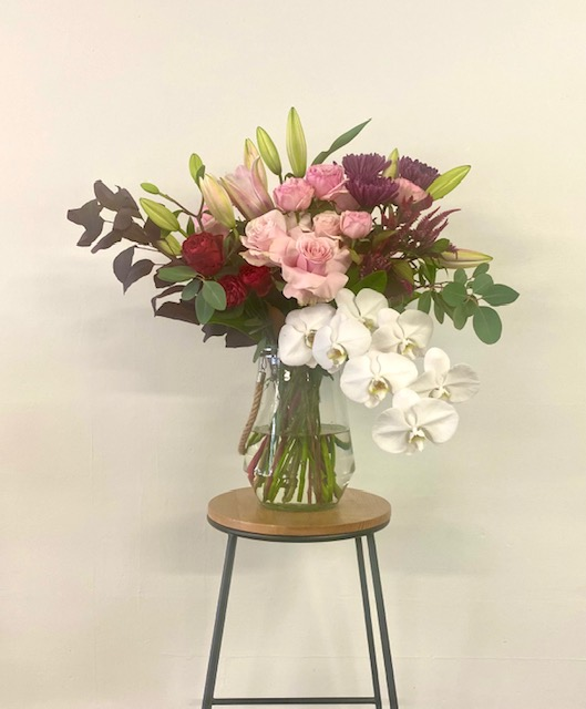 Lover deluxe, love flowers, valentines flowers, valetines day, valentines flower delivery, flower delivery tamworth, Tamworth florist, Tamworth flowers
