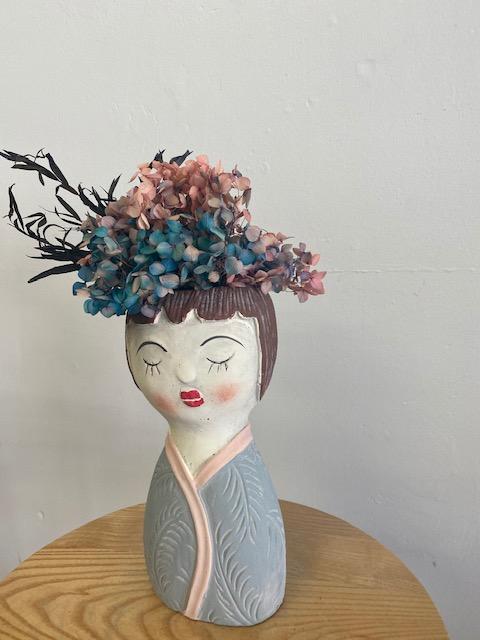 dried flowers, dried blooms, everlasting flowers, everlasting blooms, lady vase, dried flower delivery
