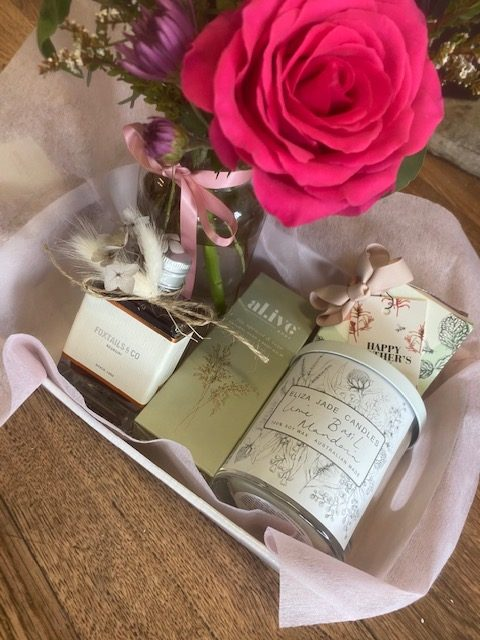 hamper, gift hamper, mothers day, mothers day gift, hamper, gift delivery, hamper delivery, tamworth flowers, gift and flowers, fresh flowers and gifts, tamworth gifts, gift ideas, shop small, shop local, buy from the bush,