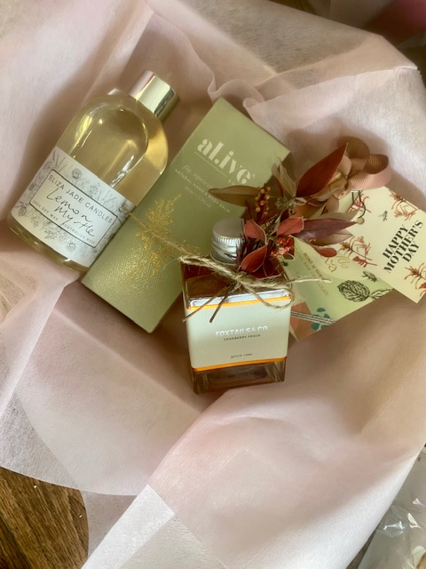hamper, gift hamper, mothers day, mothers day gift, hamper, gift delivery, hamper delivery, tamworth flowers, tamworth gifts, gift ideas, shop small, shop local, buy from the bush,